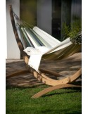 Hamak ogrodowy z drewnianym stojakiem